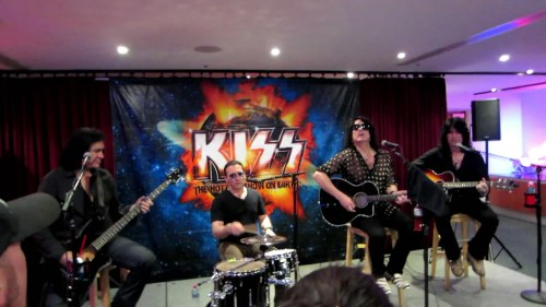 KISS-Hide-Your-Heart-Acoustic-Set-Meet-and-Greet-March-9th,-2013[www.savevid.com].mp4_snapshot_01.43_[2013.03.22_14.30.40]